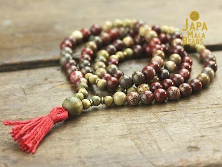 Apple Jasper and Green Sandalwood Necklace Mala