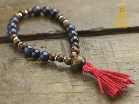 Dumortierite and Kakawate Wrist Mala