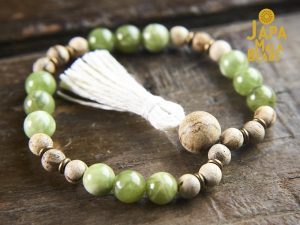 Green Garnet and Agarwood Wrist Mala