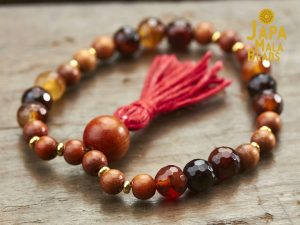 Red Agate and Sibucao mala