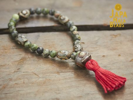 Jade and Dzi Agate Mala