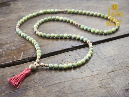 Green Garnet and Agarwood Necklace Mala