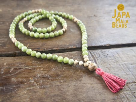 Green Garnet and Agarwood Full Mala