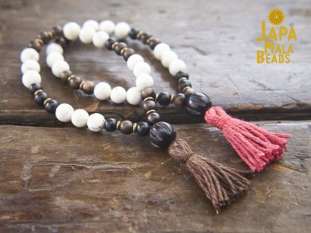 Magnesite and Ebony Bracelet Malas