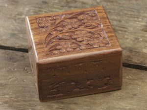 Square Rosewood Mala Box
