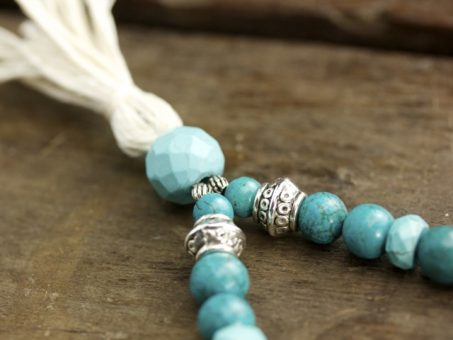 Turquoise Howlite & Silver Mala