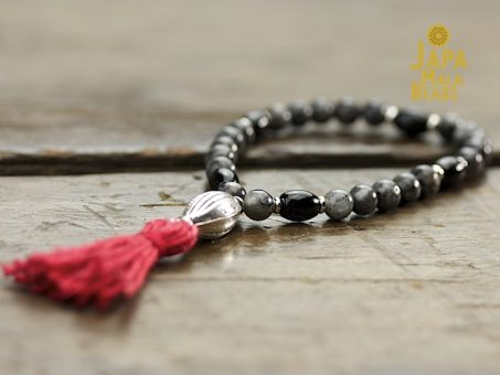 Larvikite and Black Onyx Mala