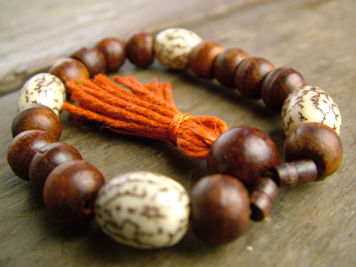 Rosewood and Betelnut Mala